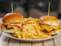 Promo 4 - 2 hamburguesas ll Forno + fritas cheddar