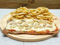 Milanesa con champignones con papas fritas (para 2 personas)