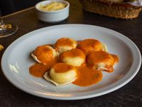 Sorrentinos de mozzarella, ricota y jamón