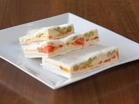 Sándwiches de  palmitos  (8 unidades)
