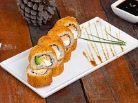 Hot roll de salmón, queso crema y palta