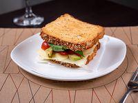 Sándwich tostado especial veggie