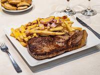 Promo 13 - Bife de cuadril con papas fritas con cheddar y panceta