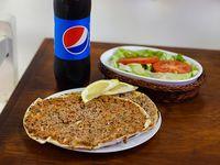 Promo 2 - 2 lehmeyunes con muzzarella o ensalada mixta + gaseosa 500 ml