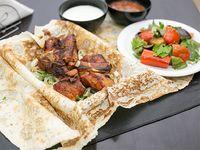 Shish jorovac de pechito de cerdo + Ensalada (para 2 personas)