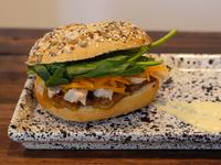 Sándwich de pollo grillado