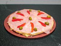 Pizza especial con jamón