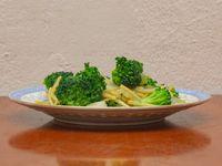 Brócoli al estilo cantones