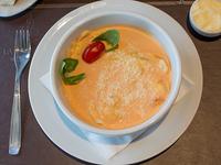 Menú para compartir - Sorrentinos de jamón y mozzarella con salsa a elección