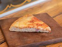Pizza muzzarella premium (porción)