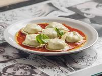 Menú - Sorrentinos de espinaca y muzzarella  con salsa a elección