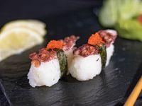 Niguiris de pulpo con caviar (6 unidades)