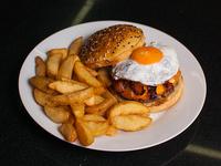 Hamburguesa cheddar con papas rústicas