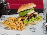 Combo - Hamburguesa Inclusiva 180 gr + bebida 350 ml + papas rústicas