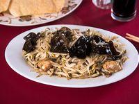 Diente de dragón con champignon y algas