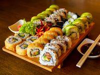 63 - Tabla sushi fusión - 32 piezas