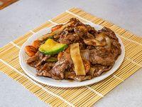 33 - Carne con hongos y bambú