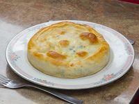 Tarta de pollo, verdeo y queso