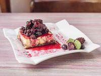 Cheesecake marmolado con frutos rojos