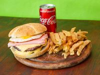 Combo - Hamburguesa doble con Cheddar y Bacon + papas fritas + Coca Cola 220 ml