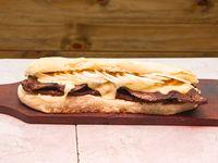 Sandwich lomito fugazzeto