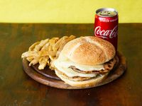 Combo - Hamburgesa pollo doble king con mozzarella + papas fritas + Coca Cola 220 ml