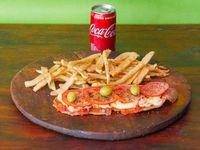 Combo - Suprema de pollo napolitana + papas rústicas + Coca Cola 220 ml