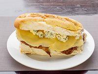 Sándwich de bondiola gourmet a los cuatro quesos