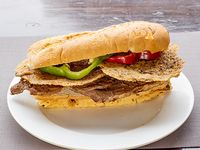 Sándwich de lomito gourmet a la provoleta
