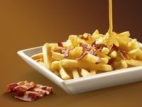 Papas con Cheddar y Bacon