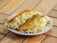 Cachapa con queso y asado negro