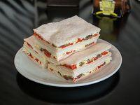 6 Sándwiches triples especiales de jamón, morrón y atún