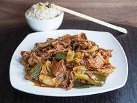 Carne mongolianan con arroz Chaufan