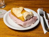 Sándwich de jamón cocido