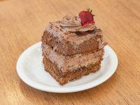Torta de mousse de chocolate porción