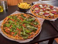 Promo - 2 pizzas familiares con 6 ingredientes (35 cm) + bebida 1.5 L