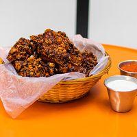 Bowl de pollo frito + 2 salsas (3 personas)