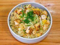 Fried rice con salmón