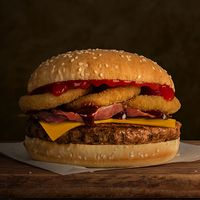 Combo - Hamburguesa vaquera + papas fritas medianas + bebida Pepsi 350 ml