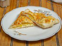 Empanada de choclo y queso