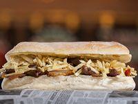 Sándwich de lomo saltado