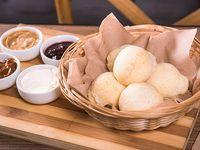 Canasta de pan de bono