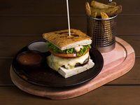 Sándwich de hamburguesa de res