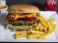 Promo simple - Hamburguesa a elección + papas fritas + salsa peruanas + bebida en lata