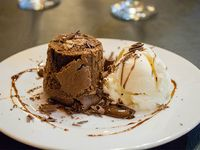 Volcán de chocolate o dulce de leche