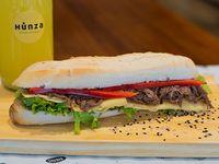 Combo 3 - Sándwich a elección + jugo natural