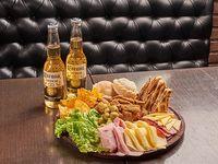Promo - Tabla Piacere + dos cervezas Corona 330 ml