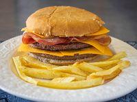 Combo 5 - Hamburguesa doble con bacon y cheddar + papas fritas con bacon y cheddar