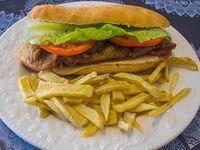 Combo 1 - Sándwich de milanesa completo + papas fritas