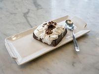 Marquise de chocolate con merengue